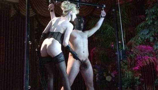 dom-karin-testing-her-new-slave