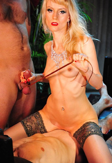 sexy-domkarin-with-her-slaves
