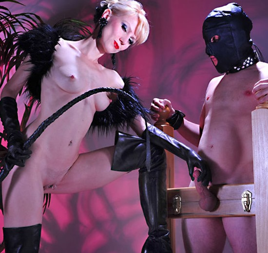 domkarin-presents-mistress-tucson-dungeon